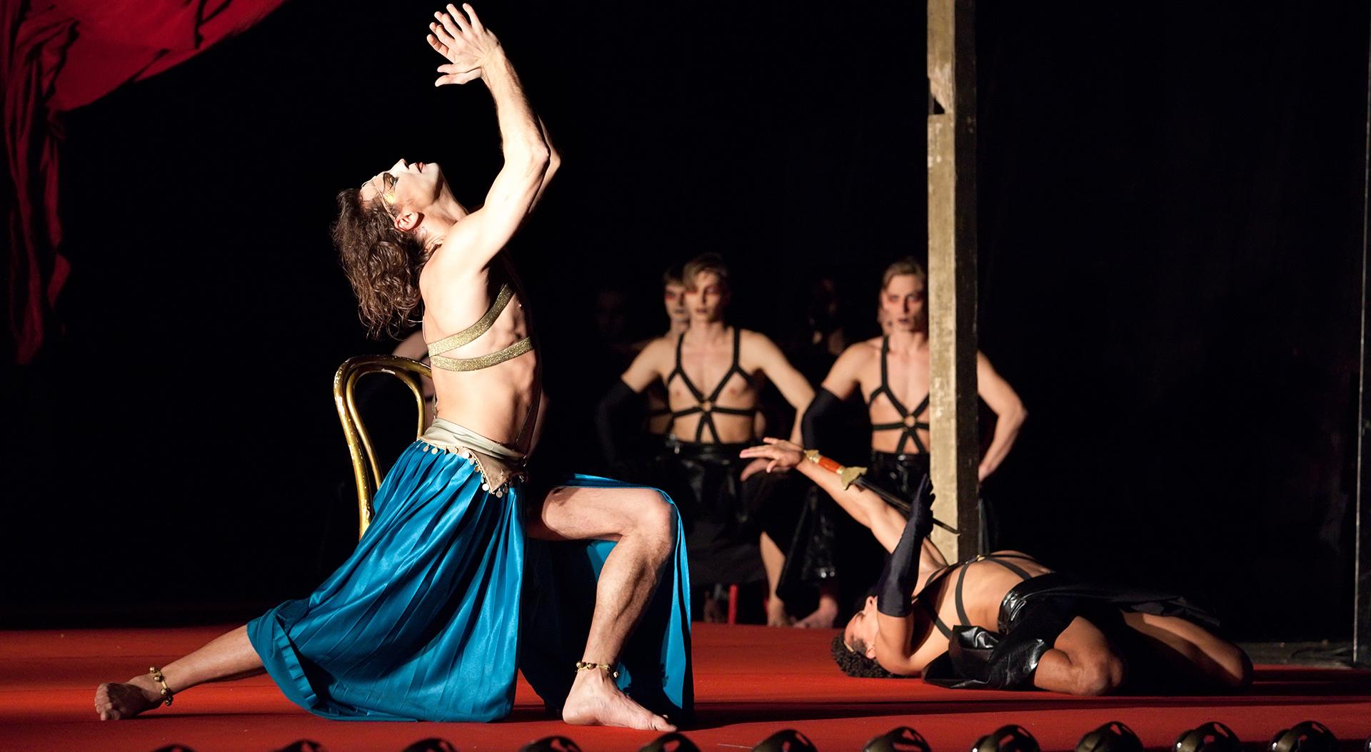 video-postanovki-eroticheskogo-teatra