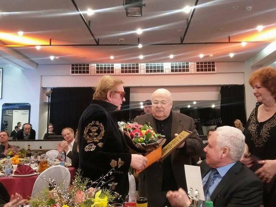 Вручение награды от Председателя СТД